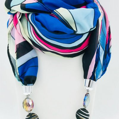 Scarf with jewel. Unbeatable gift ideas for only 21 euro